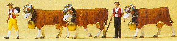 Preiser 10404 - Swiss dairymen w/cows  5/