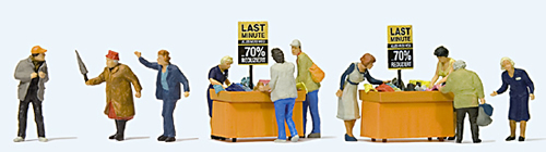 Preiser 10647 - Hunting for sales at the bargain bins