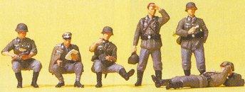 Preiser 16881 - Relaxing Pnzr Grenadiers
