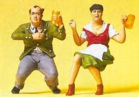 Preiser 45107 - Couple Sitting/Beer Grdn