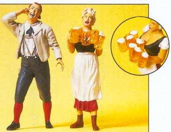 Preiser 45108 - Waitress/Guest Beer Grdn
