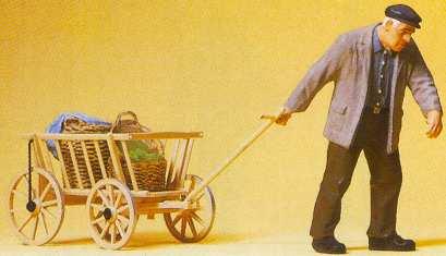 Preiser 45109 - Man Pulling Hand Cart