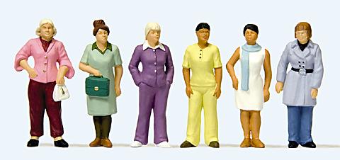 Preiser 68215 - Standing Women