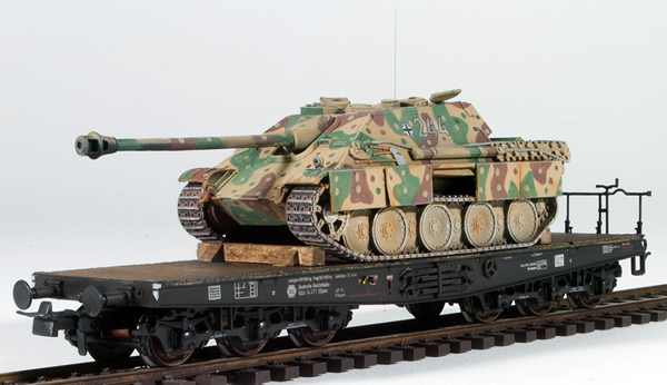 REI Models 6870206 - German WWII Jagdpanther Summer Abush Camo loaded on a heavy 6 axle DRB flat car