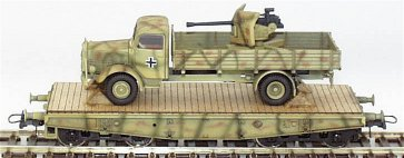 REI REI0061 - MBL5000 w/ 3.7cm AA-Gun On 4-Axle Flat Car in Foliage Pattern Camouflage