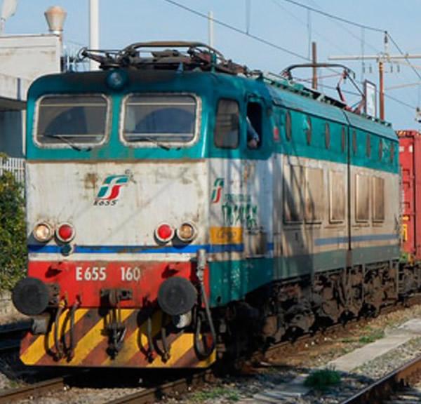 Rivarossi HR2706 - Italian electric locomotive E655 of the FS in XMPR livery