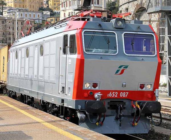 Rivarossi HR2797D - Italian Electric locomotive class E.652 of the FS