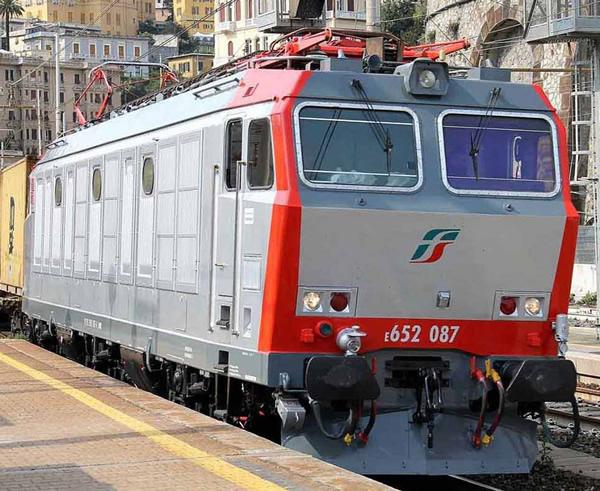 Rivarossi HR2797S - Italian Electric locomotive class E.652 of the FS (DCC Sound Decoder)