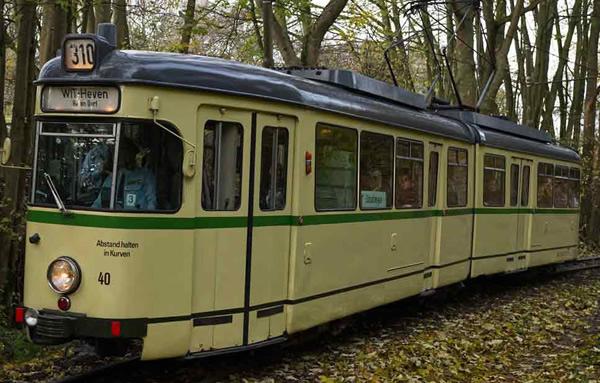 Rivarossi HR2860 - Tram, DUEWAG GT6, BOGESTRA, beige livery
