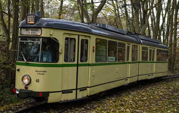 Rivarossi HR2860D - Tram, DUEWAG GT6, BOGESTRA, beige livery