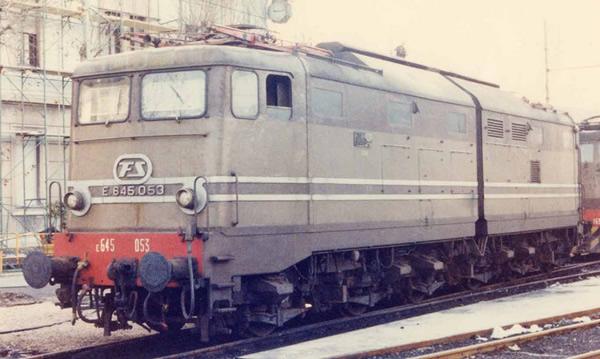 Rivarossi HR2870S - Italian Electric locomotive E.645, castano/isabella of the FS (DCC Sound Decoder)
