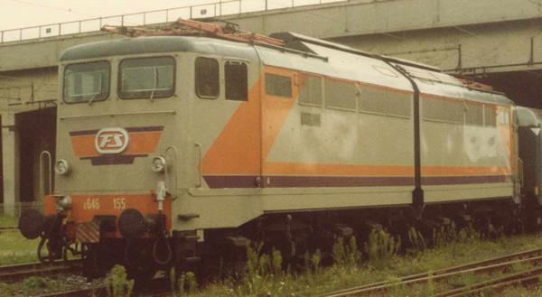 Rivarossi HR2871S - Italian Electric locomotive E.646 Navetta of the FS (DCC Sound Decoder)