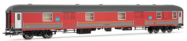 Rivarossi HR4247 - Italian baggage car X type '70T of the FS; in MDVE livery also on rolling load for shuttle services