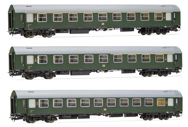 Rivarossi HR4327 - 3pc Passenger Coach Set