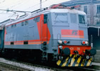 "Italian electric locomotive E424 316 of the FS in ""Navetta"" livery, 52 pantograph"