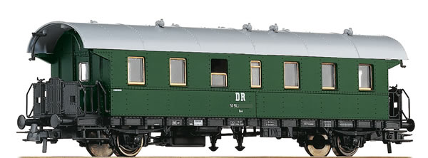 Roco 54201 - German 2nd Class Passenger Car of the DR