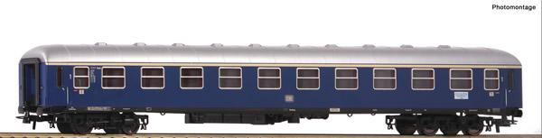 Roco 54450 - German 1st class fast train car of the DB