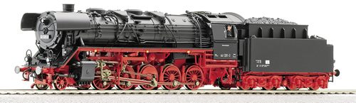 Roco 62328 - Steam locomotive BR 44 of the DR