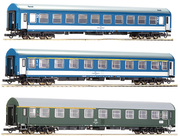 Roco 64195 - German 3 Piece Passenger Car Set Berlinaren Express of the DR