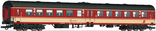 Roco 64426 - 2nd class center entry wagon, ÖBB
