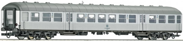 Roco 64661 - 2nd class commuter coach, DB