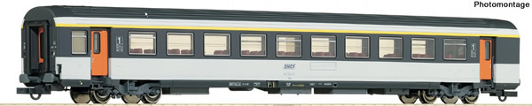 Roco 74530 - 1st class corail open-plan coach, SNCF
