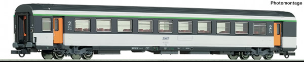 Roco 74534 - 2nd class corail open-plan coach, SNCF