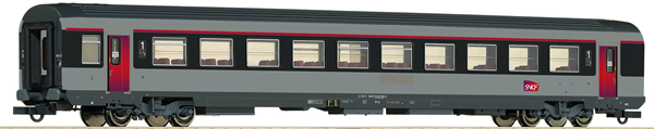 Roco 74542 - 1st Class Open Seating Car