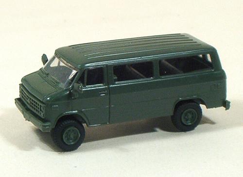Trident 90066 - U.S. Army Chevy Prsnl Van