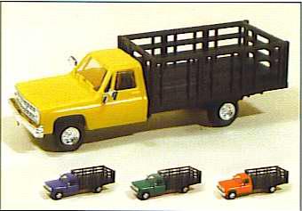 Trident 901531 - Chevy P/U Stake Truck Wht