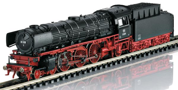 Trix 16015 - German Steam Locomotive 01 220 of the DB (Sound) - Trix Club