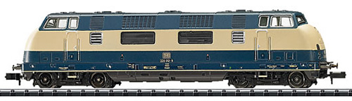 Trix 16222 - German Diesel Locomotive Series 220 of the DB