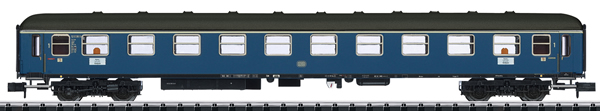 Trix 18401 - German Express Train Passenger Car Type A4üm-63 of the DB