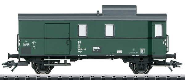 Trix 23305 - DR/DDR Type Pwgs 9400 Baggage Car, Era IV
