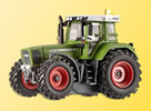 Functional and Illuminated Fendt Tractor