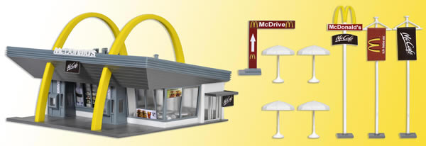 Vollmer 43634 - McDonald`s fast food restaurant with McDrive
