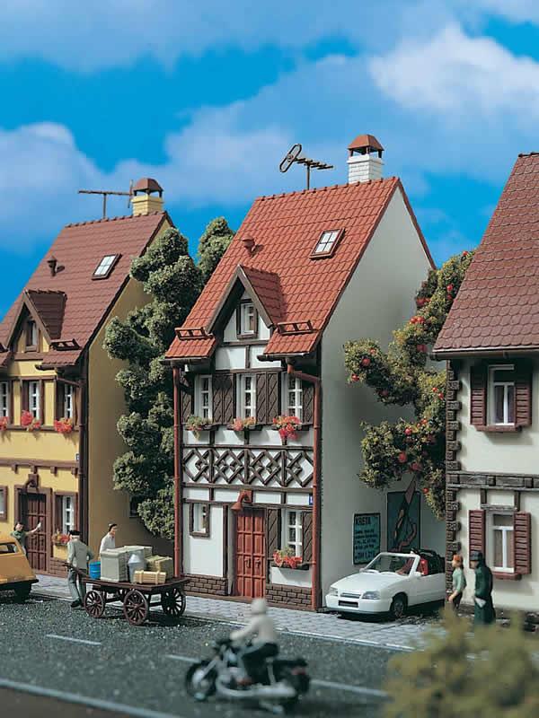 Vollmer 43672 - Half-timbered house Bahnhofstraße 15