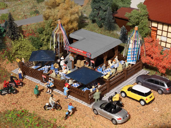Vollmer 43784 - Beer garden with accessories