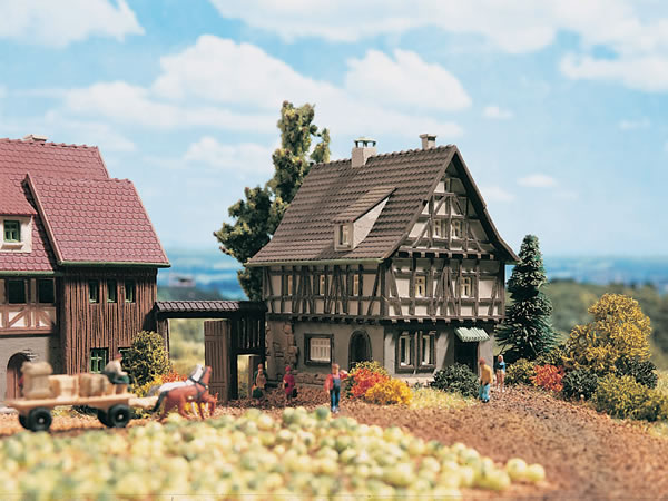 Vollmer 49530 - Half-timbered house with yard gate